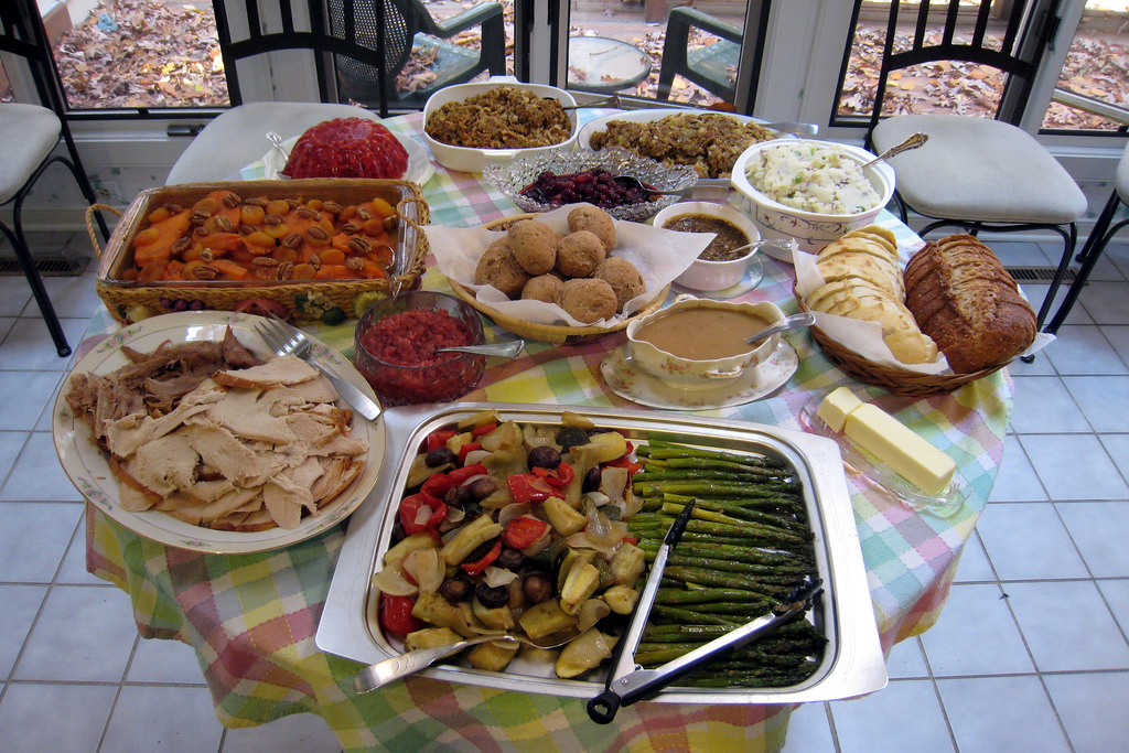 KClvey - holiday table